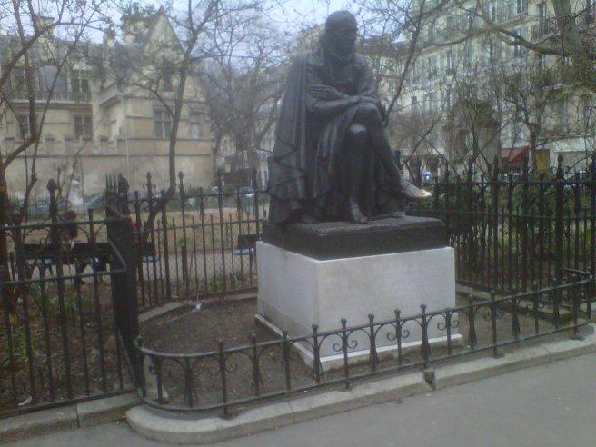 Montaigne Parigi